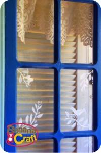 janela com vidro pintado