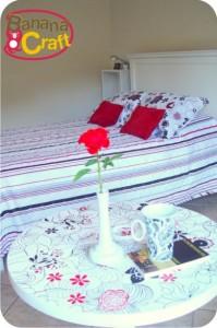 decoração - quarto - cama - mesa