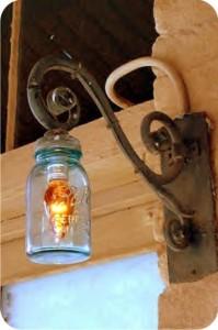 luminária feita com vidro reciclado