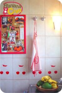 adesivos nos azulejos da cozinha