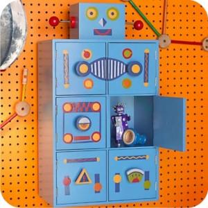 robô - armário de madeira