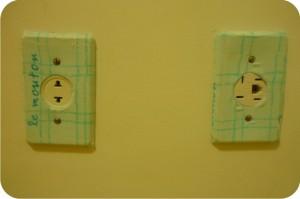interruptor e tomada customizados com tecido xadrez