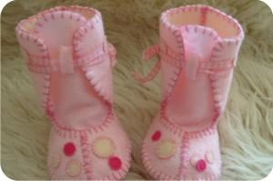sapatinhos de feltro - rosa