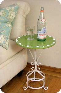 mesa com pé de ferro