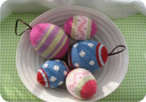 easter eggs - knitting
