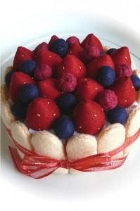 torta de morango de feltro