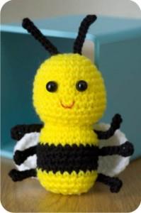 abelha de crochê - amigurumi