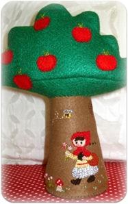 chapeuzinho vermelho de feltro