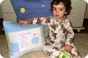 bebe de pijama