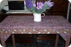 mesa forrada com tecido