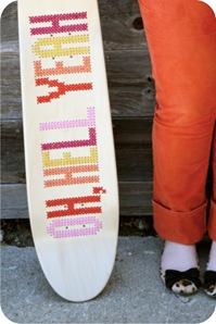 skate bordado em ponto cruz
