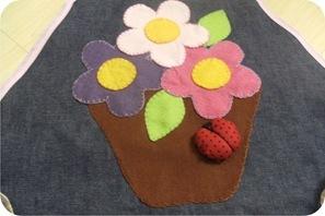 avental com flores