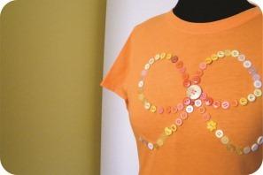 diy camiseta com laço de botões