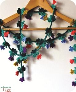 cachecol de flores de croche