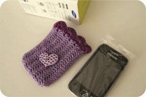 celular com capa de croche