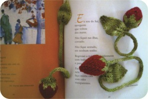 knit strawberry